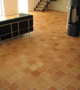 Carrelage en terre cuite pour salon