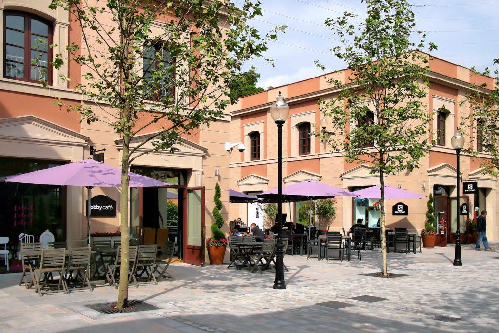 La Roca Village centre commercial proche de Barcelone